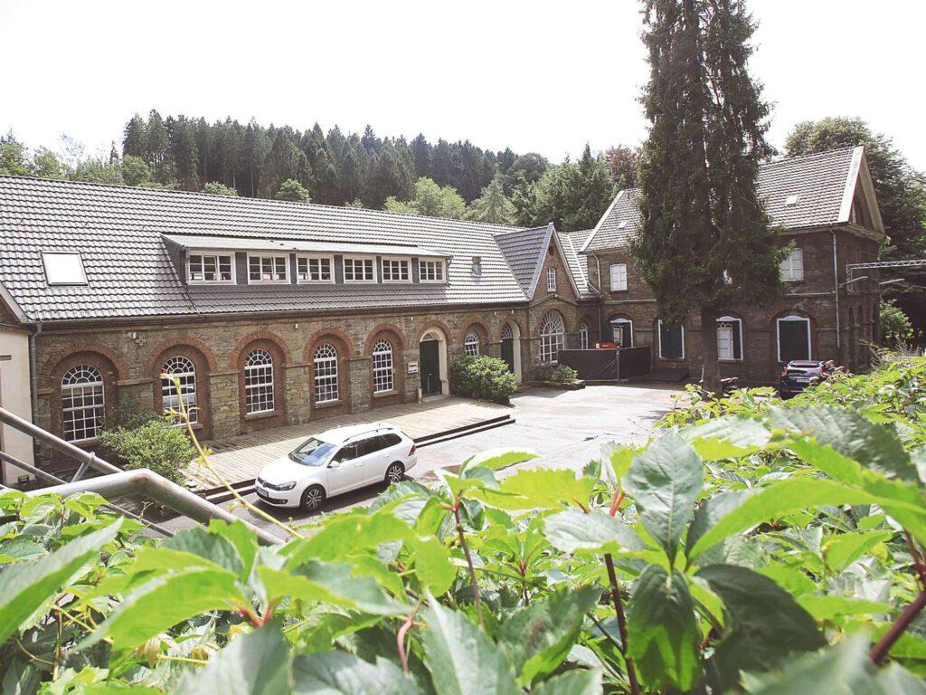 Alteschlossfabrik Hofansicht