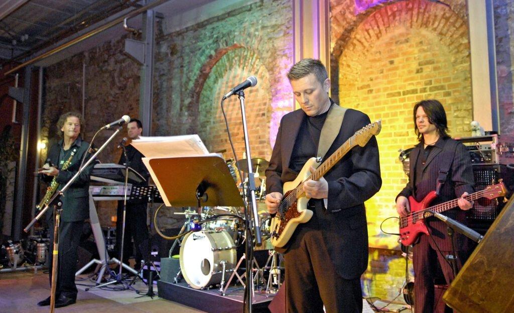 Band in der Halle